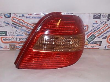 TOYOTA AVENSIS MODELS FROM 1998 TO 2003 DRIVER SIDE REAR LAMP LIGHT TAIL LIGHT